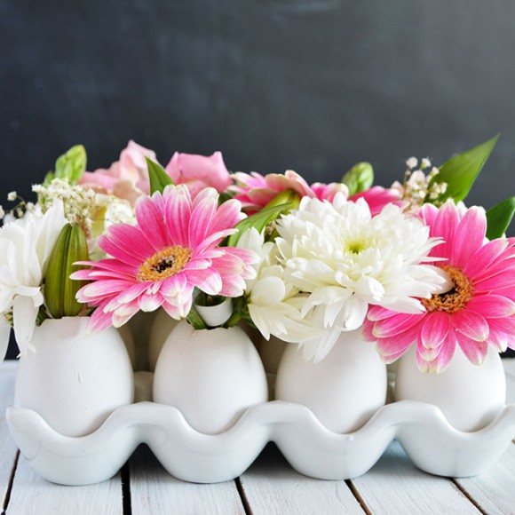 EGG CARTON CENTERPIECE