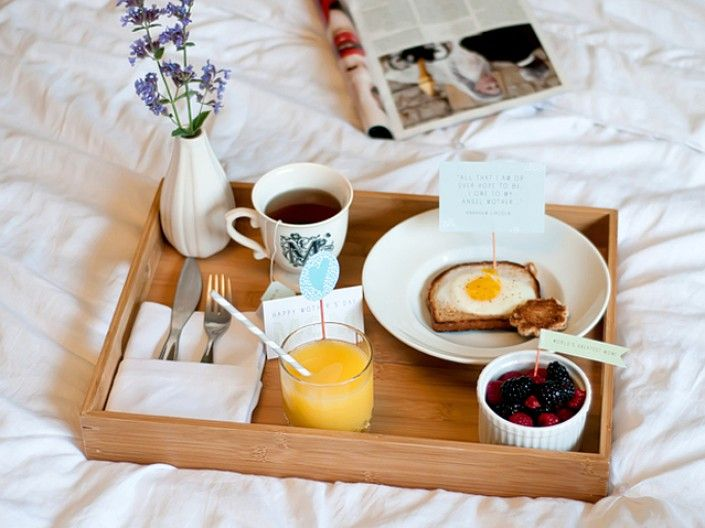 Flag her down breakfast tray