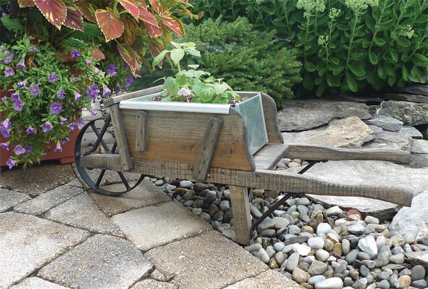 Amish Planter Old Fashioned Wheelbarrow