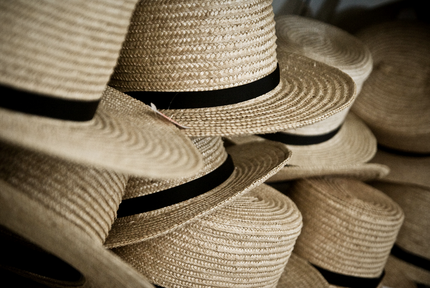 Everything you Want to Know About: Amish Clothing - TIMBER