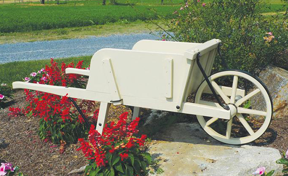 Amish Old Fashioned Wheelbarrow
