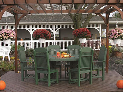 Amish LuxCraft Poly Wood Captain Chair Oval Dining Set
