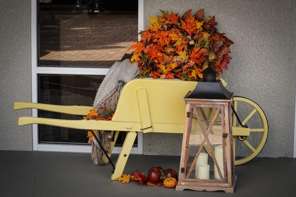 Amish Wooden Wheelbarrow - Medium Rustic