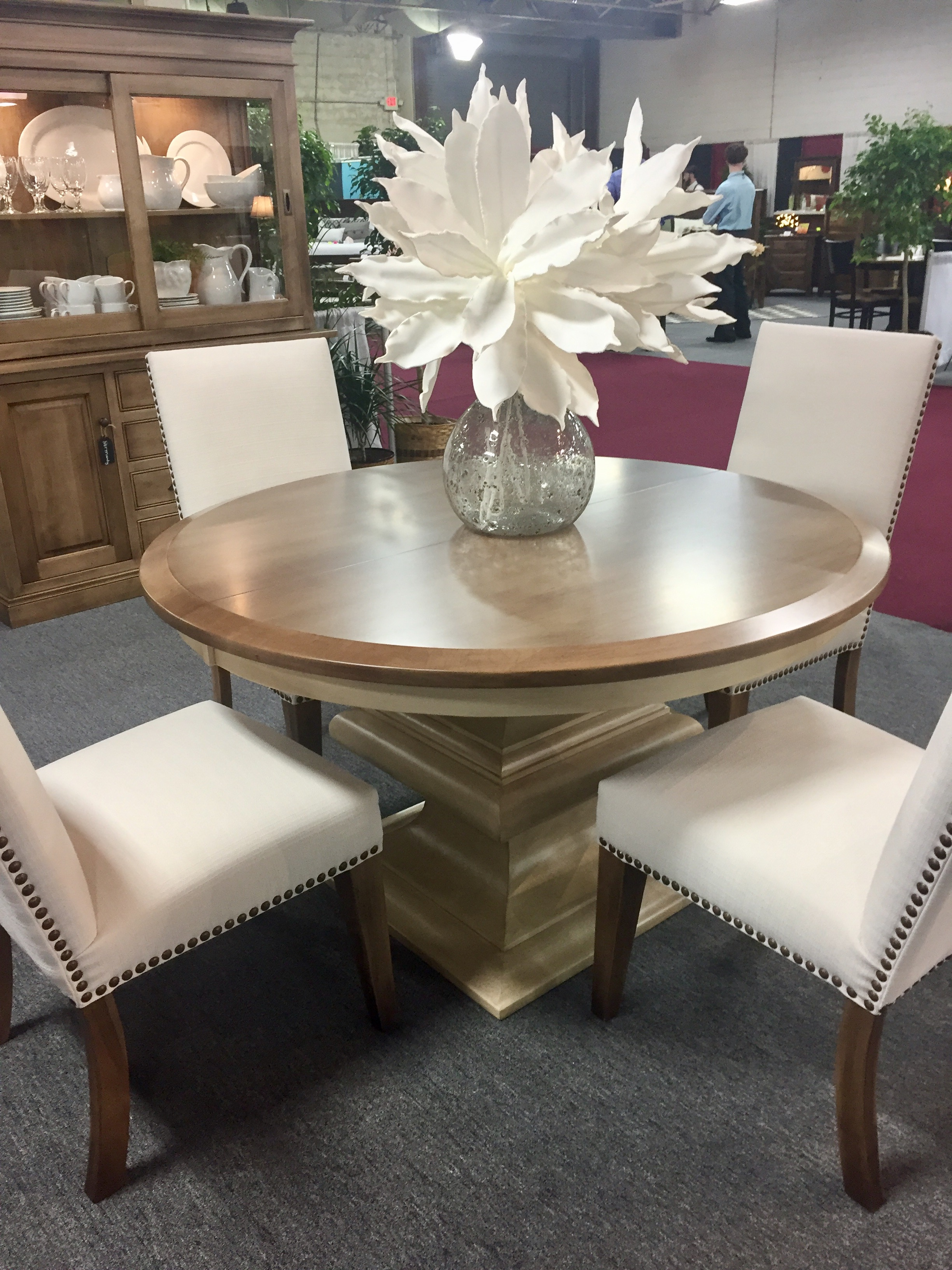 Amish Normandy Pedestal Dining Table