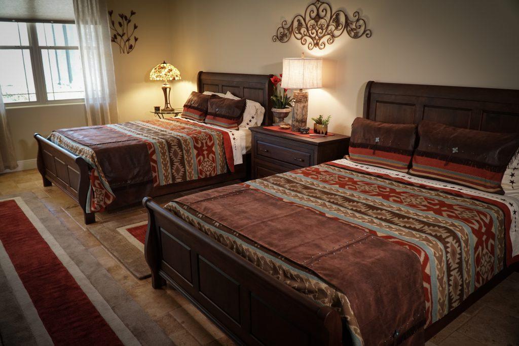 Amish Wilkshire Sleigh Bed