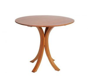 Amish Ripple Back Pedestal Table