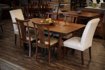 The Grand River Dining Set