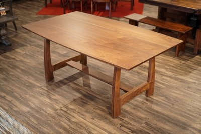 Grand River Dining Table