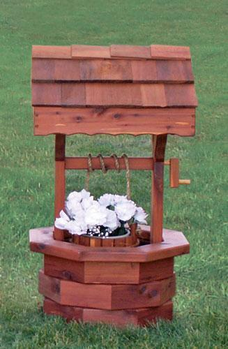 Amish Cedar Wishing Well Medium