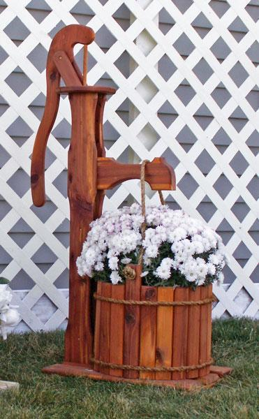 Amish Cedar Decorative Pump Planter with Bucket Large