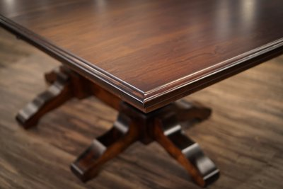 Close up of Amish Kingston Double Pedestal Table