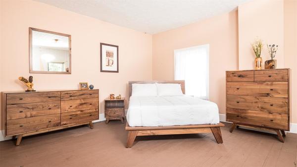 Amish Sullivan Lake Four Piece Platform Bedroom Set