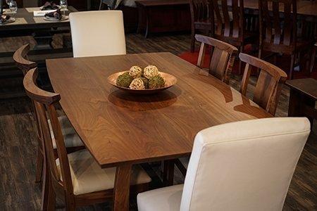 Dining Room Set in Walnut Wood