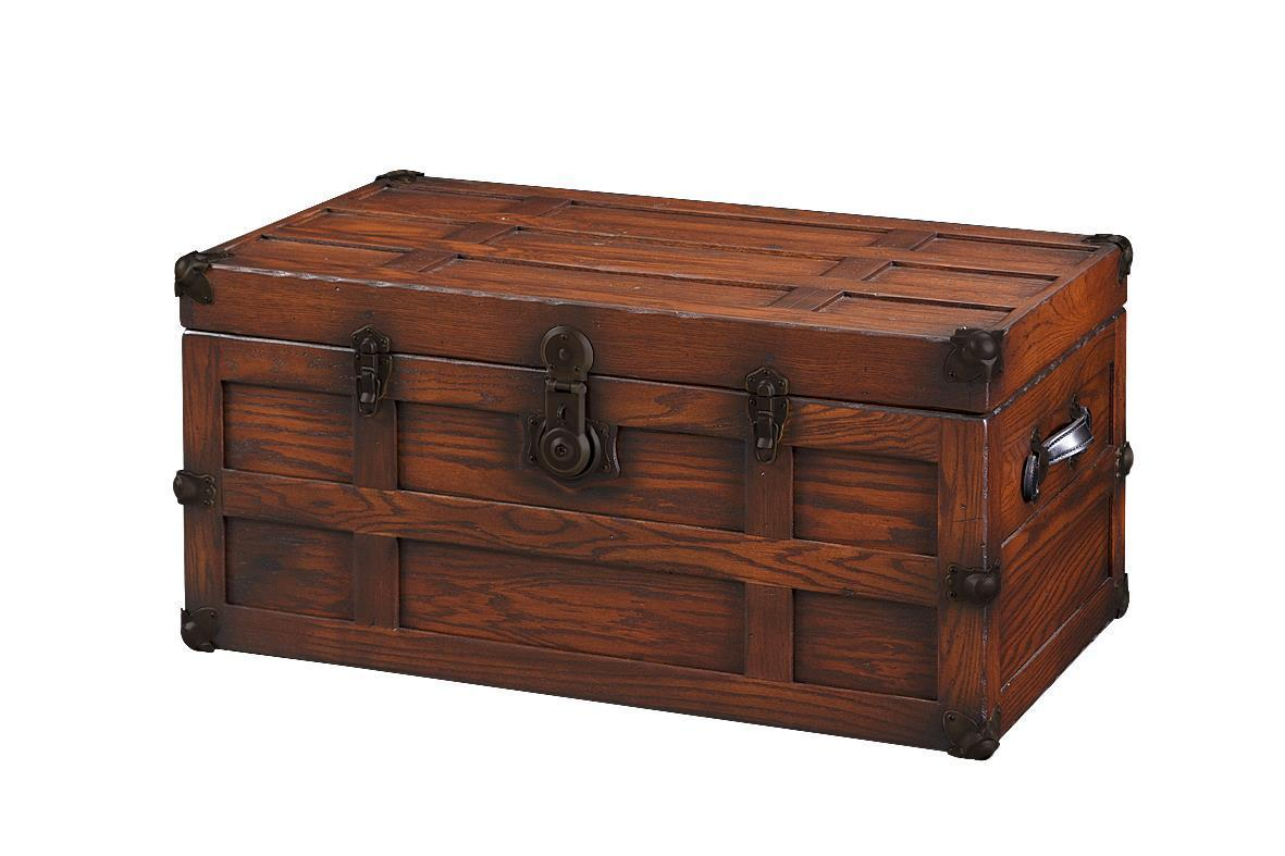 Perfect Antique Style Oak Wood Steamer Trunk from DutchCrafters Amish RI43